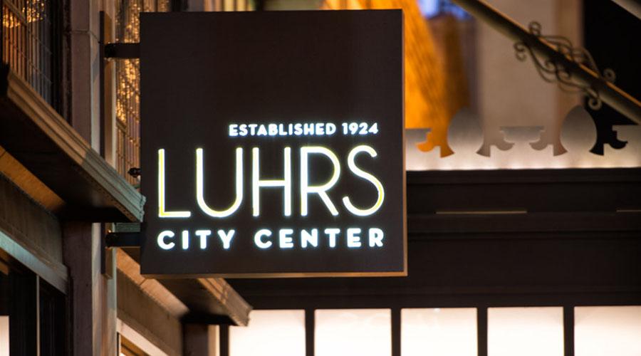 luhrs_sign_ht